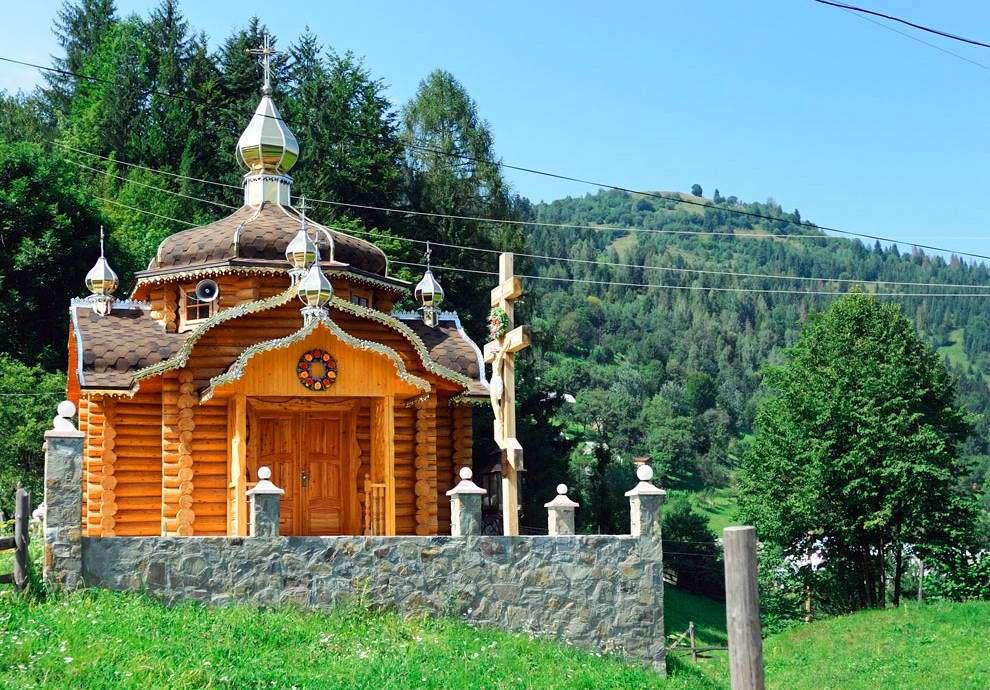 Косівський район, капличка в селі Шепіт