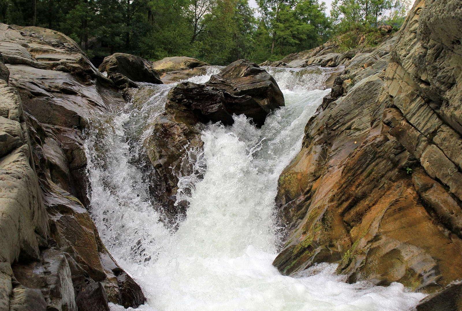 Карпати, Шешорські водоспади