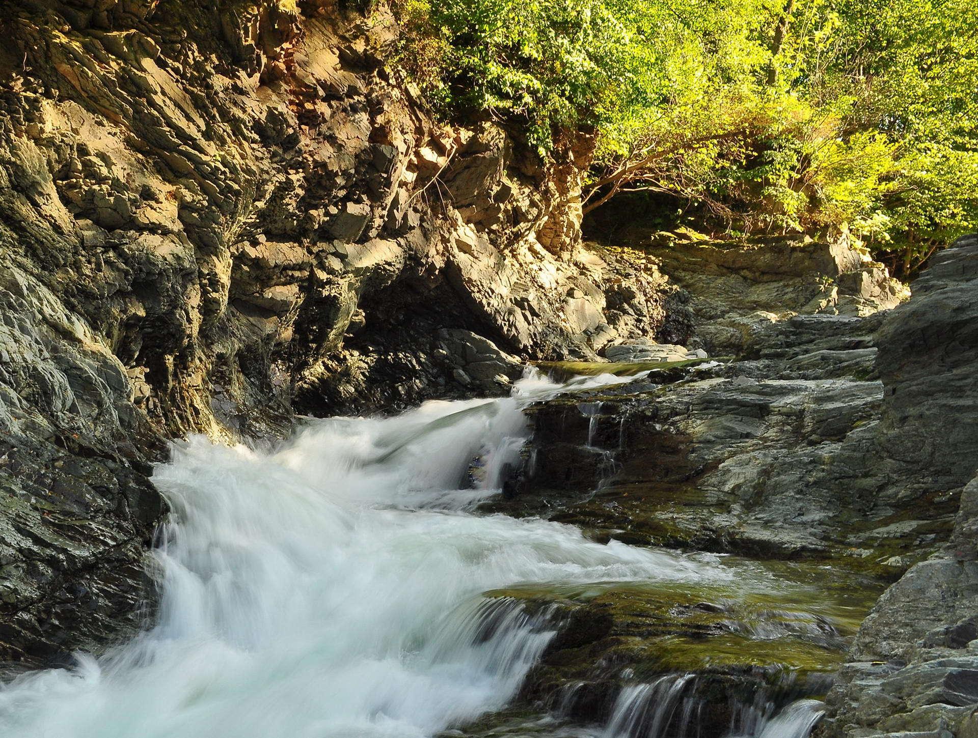 Сріблясті водоспади в с. Шешори