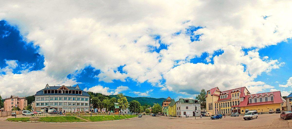 пгт Верховина - районный центр Прикарпатья