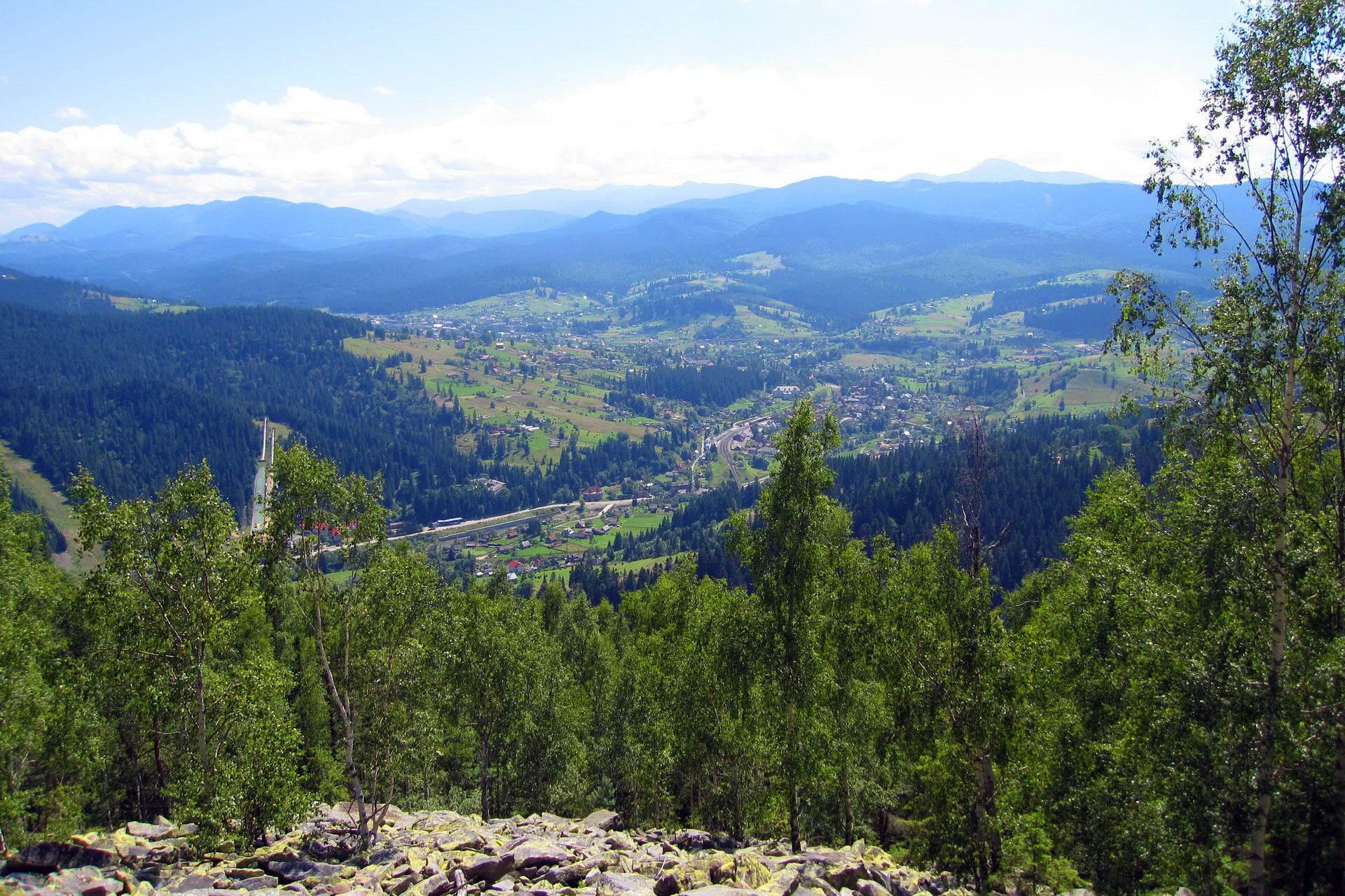 Панорама Ворохти із гори Магура