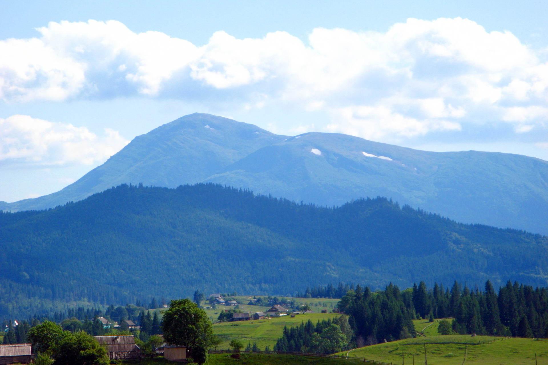 Яблуниця - гірське село Карпат