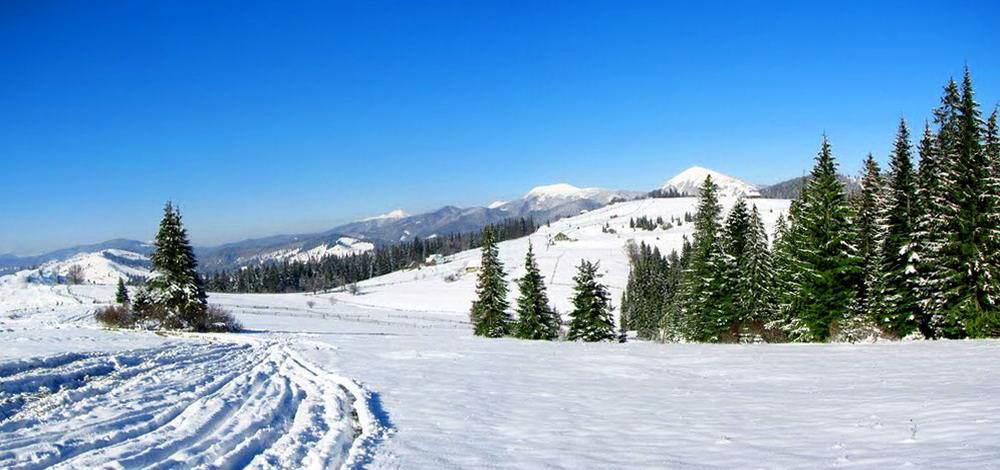 Яблуниця - гірське село в Карпатах