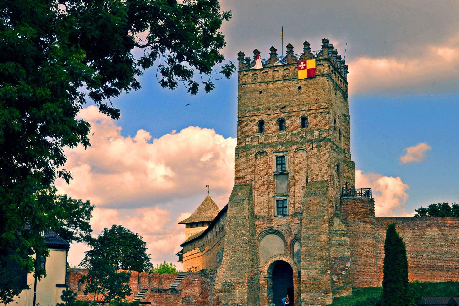 Замок Любарта, В'їзна вежа
