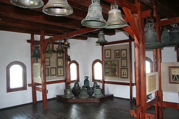 Замок Любарта, виставка дзвонів