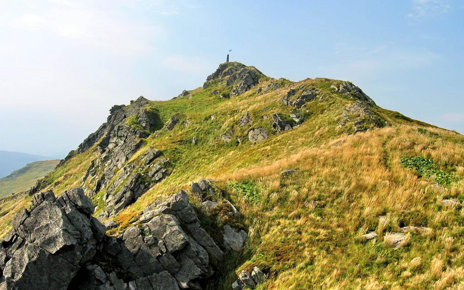 Вершина Пікуй в Карпатах